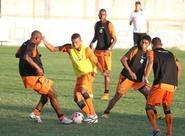 Técnico PC Gusmão realiza treino técnico com o grupo