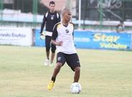 João Marcos pode voltar ao time no jogo de domingo