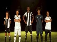 Manto Alvinegro: Ceará lança uniformes oficias Topper para temporada 2019/2020