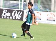 Leandro Brasília inicia trabalhos com bola. DM libera boletim médico