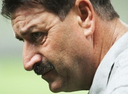 Satisfeito com o time, Leandro Campos quer vitória contra o Guarani