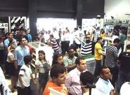 Torcedores movimentam pontos de venda à procura de ingressos para jogo de domingo