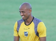 Zagueiro Luizão fala sobre entrosamento do time