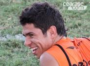 Dedicado em campo, Osvaldo espera recuperação rápida na Série A