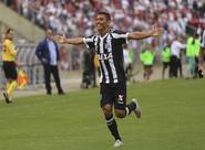 Com gol de Quixadá, Ceará bate o Paraná fora de casa e sobe na tabela do Brasileirão
