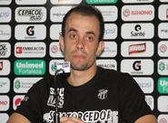 """Rafael Cruz é apresentado: """"É um prazer vestir a camisa do Ceará"""""""