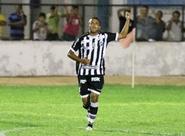 """Motivado, Rogerinho ressalta: """"A minha confiança aumenta a cada jogo"""""""
