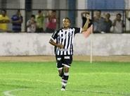 """Para vencer no domingo, Rogerinho quer """"passar por cima das barreiras"""""""