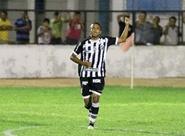 Pensando na Copa do Brasil, Rogerinho dá uma pausa no Estadual