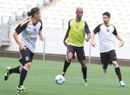 Pensando no Sport, alvinegros treinaram na Arena Castelão
