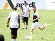 Ceará voltou aos treinos e segue viagem nesta tarde