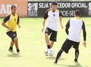 Leandro Campos comandou um treino técnico nesta manhã