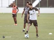 Elenco faz último treino em casa antes de jogo diante do Corinthians