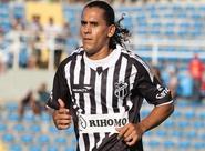 Gol em amistoso anima Vicente para temporada 2013