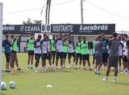 Ceará faz último treino em terras cearenses e embarca para o Rio de Janeiro