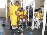 Antes da viagem, alvinegros realizam treinos físicos