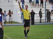 Piauiense Antônio Dib apitará o confronto entre Figueirense e Ceará