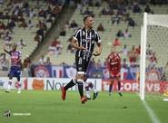 Renovou! Ceará estende contrato com atacante Arthur até maio de 2021