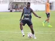 Formado no Flamengo, Ceará acerta com meia-atacante Cafu