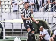 Com golaços de Bueno e Carleto, Ceará vence o Santa Cruz de virada no Castelão