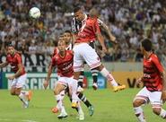 Éverson defende pênalti, Wescley marca e Ceará vence mais uma na Série B