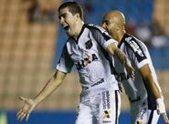 Com gol de Richardson, Ceará vence o Oeste e dá mais um passo na luta pelo acesso