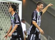 Em jogo de oito gols, Ceará passa pelo Bragantino, no Castelão