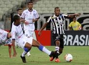 Em jogo de ataque contra defesa, Ceará erra muito e empata sem gols