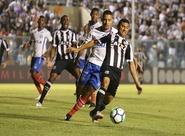 Ceará desperdiça e perde para o Bahia por 2 a 0 no Presidente Vargas