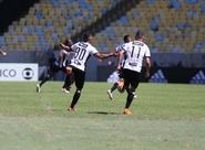 Leandro Carvalho marca no fim e Ceará cala Maracanã com vitória sobre o Flamengo