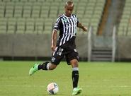 Diogo Orlando comemora primeiro gol com a camisa alvinegra