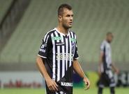 Douglas fala sobre dificuldades diante do Guarany (S) e pede confiança