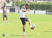 Reta final da Série A: Elenco participa de treinos no Vovozão e embarca para Curitiba