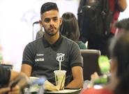 Elenco alvinegro embarca para São Paulo, onde enfrenta o Palmeiras nesse fim de semana
