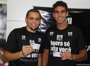 Em evento na Loja Oficial, Felipe Azevedo e Everton se associam ao clube