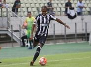 """Fabinho avalia benefícios com semana aberta sem jogos: """"Recuperação física é fundamental"""""""