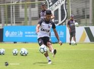 Com o apoio da torcida no Vovozão, Ceará encerra preparação para duelo diante do Internacional