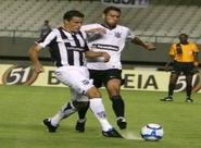 Ceará toma gol no fim e só empata no Castelão
