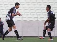 Ceará vence o Icasa por 3 x 1 e assume a liderança do Estadual 2013