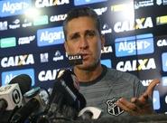 """Técnico Jorginho é apresentado à imprensa: """"Momento é desafiador, mas estou confiante"""""""