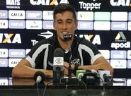 """Em apresentação, Juninho manda recado: """"Gosto de fazer gol. Sempre que tiver oportunidade, vou finalizar"""""""