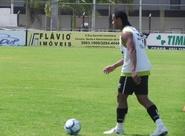 Heleno e Kempes poderão jogar contra o Goiás