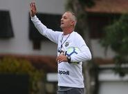 """Lisca: """"Bahia tem vantagem, mas a competição ainda está aberta"""""""