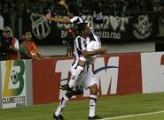 Lopes agradece Tony pelo segundo gol