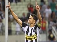 Artilheiro do país, com 30 gols, Magno Alves retorna e mostra confiança