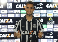 """Maikon Leite é apresentado em Porangabuçu: """"Estou feliz e chego com vontade de acesso"""""""