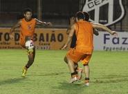 Antes da viagem, Ceará treina forte em Porangabuçu