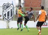 Ceará encerra a semana com treino rachão em Carlos de Alencar Pinto