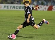 Jogando fora de casa, Ceará segura o Goiás e consegue empate em 0 x 0