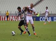 Ceará domina, mas é derrotado pelo Santa Cruz e não avança na Copa do Nordeste